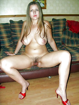 milf grown-up hairy