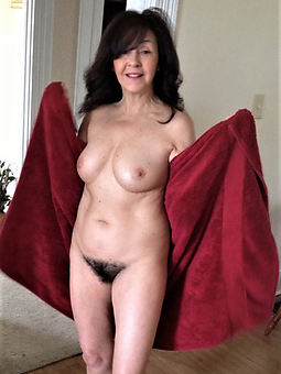 pretty natural hairy milf