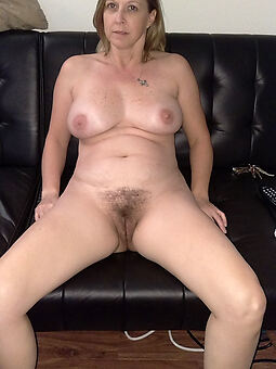 amature solo hairy mature pic