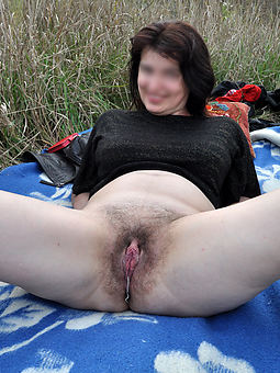 natural hairy cunts amature porn pics