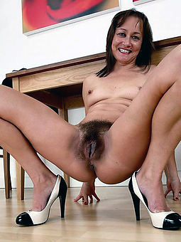 porn pictures of natural hairy vaginas
